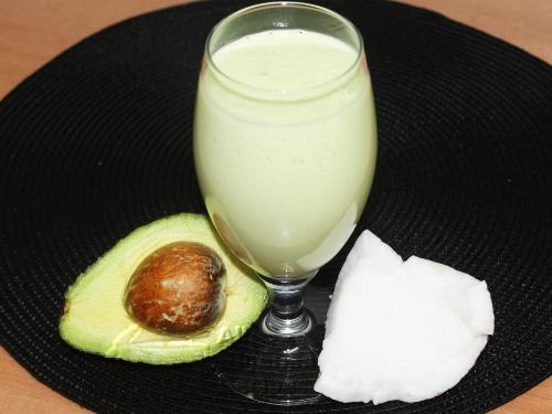 coconut avocado smoothie