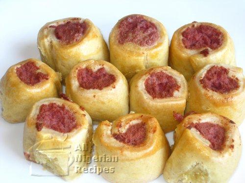 mini sausage rolls nigerian small chop