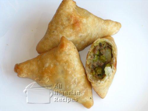 nigerian small chops samosa
