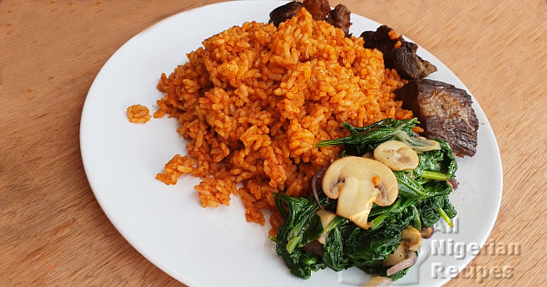 nigerian jollof rice with 5 ingredients
